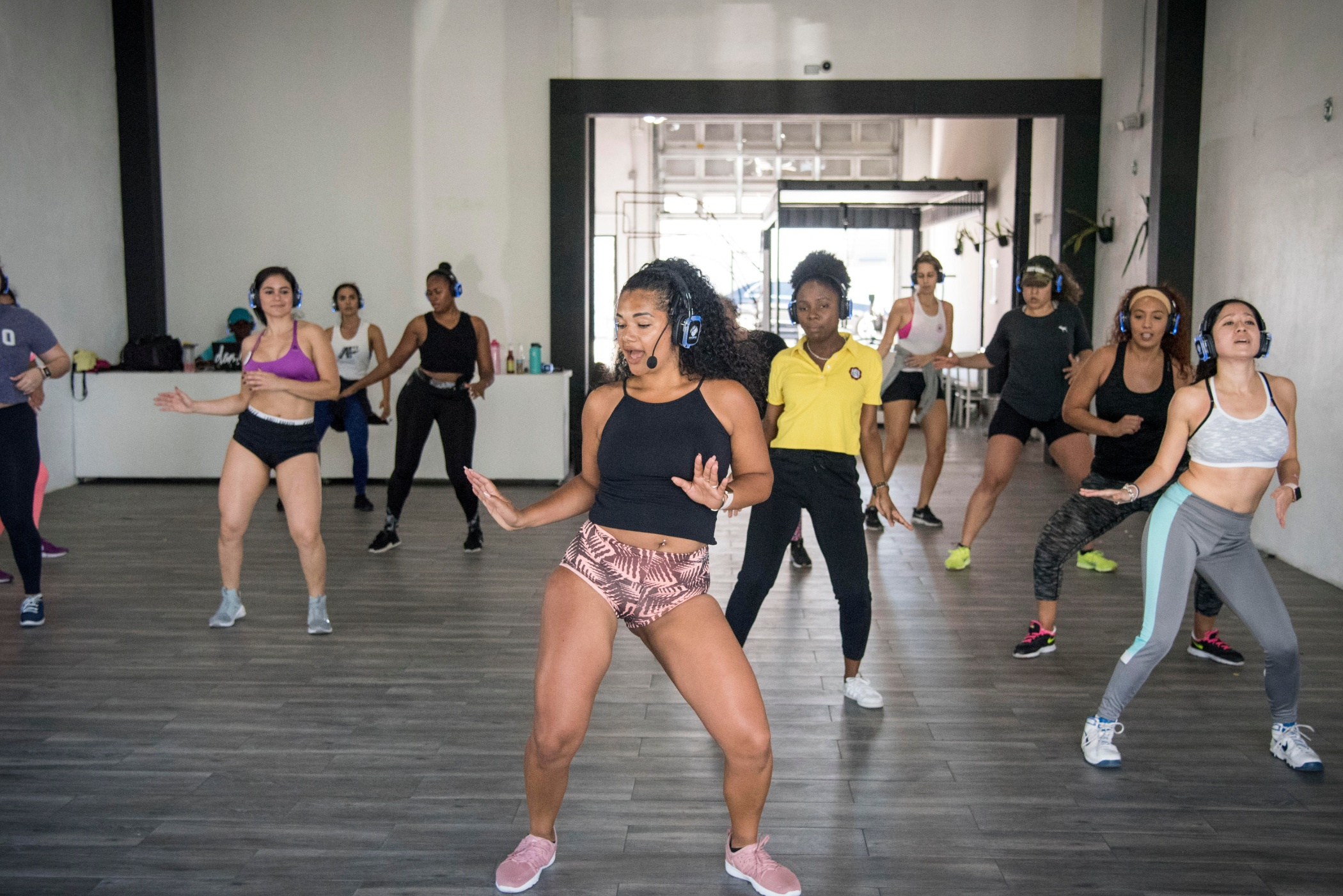 ELECTRICWHINE DANCE WORKOUT